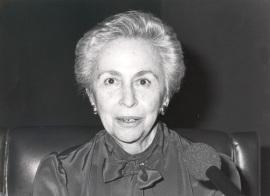 Soledad Salinas. Conferencia sobre Y español soy por la lengua divina (1892-1916) dentro del ciclo España en la poesía hispano-americana (1892-1975) , 1987