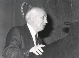José Luis Pinillos Díaz. Conferencia sobre El hombre máquina dentro del ciclo La imagen psicológica del hombre , 1987