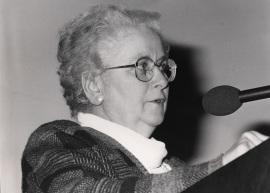 Gabriela Morreale. Conferencia sobre Regulación de la actividad génica por hormonas esteroides - Cell Receptors and Chemical signals , 1987