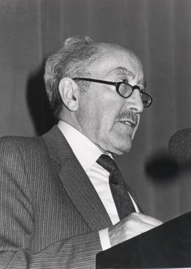 Emilio Alarcos Llorach. Conferencia sobre De las brumas remotas a la hispanización del latín dentro del ciclo Etapas de la lengua española , 1987