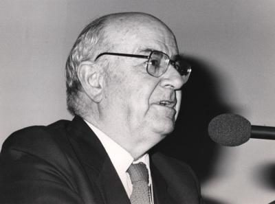 Julián Gállego. Conferencia sobre Las vanguardias españolas dentro y fuera de la Península (1920-1940) dentro del ciclo La pintura española en el siglo XX