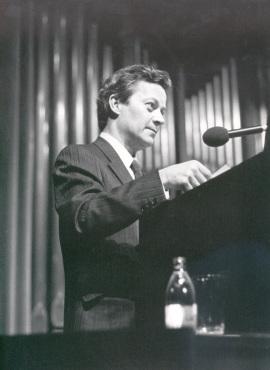 Miguel Ángel Coria en el estreno de su obra Le Chevelure, 1988