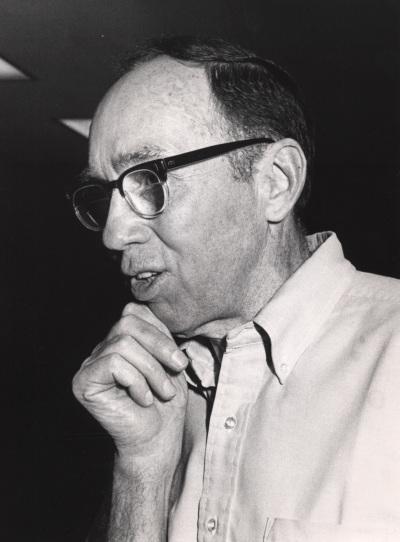 Russel F. Doolittle en el curso sobre La evolución del genoma