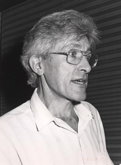 A. J. Gibbs en el curso sobre La evolución del genoma