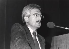 Marino Regini. Conferencia sobre Tendencias en las relaciones Estado-Economía en la Italia de postguerra - Trabajo y política en la Italia contemporánea , 1988