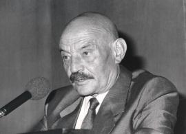 José Hierro. Conferencia sobre Rubén Darío, maestro mágico dentro del ciclo Cuatro divagaciones sobre poesía y poetas , 1989