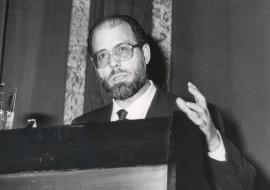 Diego Gracia. Conferencia sobre Etica de la relación médicodentro del ciclo paciente dentro del ciclo Etica y Medicina , 1990