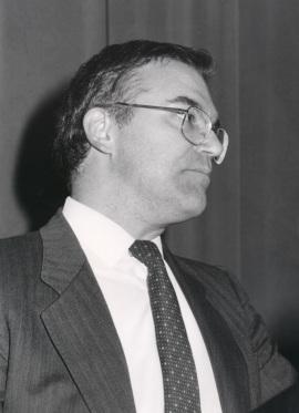 Domingo Solans. Conferencia sobre The Virus Quasi-Species - La teoría actual de la evolución , 1990