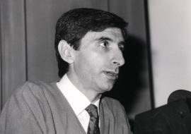 Juan Ortín Montón Montón. Conferencia sobre The Origins of Life: molecules and replication - La teoría actual de la evolución , 1990