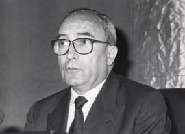 Carlos Seco Serrano. Conferencia sobre Unidad y diversidad de España: panorámica histórica dentro del ciclo Los nacionalismos españoles , 1990