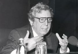 José María Valverde. Conferencia sobre Un orden amenazado: hasta la Primera Guerra Mundial dentro del ciclo La literatura al cabo del siglo , 1990