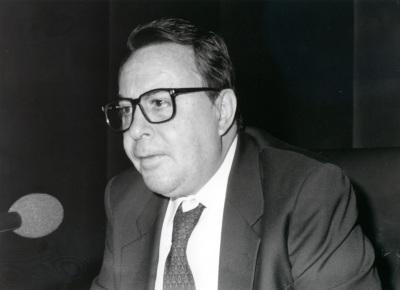 Claudio Rodríguez. Conferencia sobre Unidad y variedad en la obra de Jorge Guillén dentro del ciclo Cuatro lecciones sobre Jorge Guillén en su centenario
