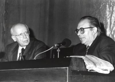 Emilio Lledó Iñigo y Pedro Cerezo Galán. Conferencia sobre Memoria de la ética dentro del ciclo El pensamiento, hoy