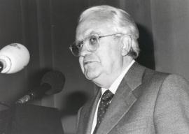 Gregorio Salvador en la presentación del libro La Lengua Española, hoy. Con motivo del 40 Aniversario de la Fundación Juan March., 1995