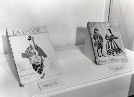 Vista parcial de la exposición Picasso. El sombrero de tres picos Dibujos para los decorados y el vestuario del Ballet de Manuel de Falla, 1993