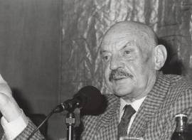 José Hierro. Conferencia sobre Experiencia de sombra y música dentro del ciclo Poesía y música , 1997