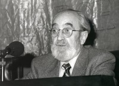 Ángel González. Conferencia sobre Estoy bártok de todo dentro del ciclo Poesía y música