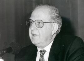 Alfonso R. Gutiérrez de Ceballos. Conferencia sobre Felipe II y la escultura dentro del ciclo Felipe II y las artes , 1998