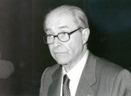 Juan Marichal. Conferencia sobre 1898: Émile Zola, paradigma del 'intelectual' dentro del ciclo El siglo de los intelectuales (1898-1998) , 1998