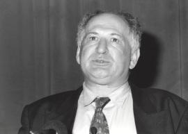 Joseph Schlessinger. Conferencia Mechanism of Action of Growth Factor Receptors - Señalización por fosforilación de tirosinas , 1998