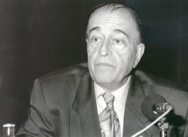 Ramón Barce. Conferencia sobre Cuba musical en los últimos años de la colonia dentro del ciclo La música del 98 , 1998