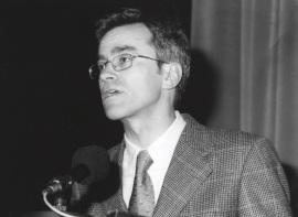 Guillermo Solana. Conferencia sobre Apocalipsis con figuras (1914-1918) dentro del ciclo La Paz y la Guerra en el Arte y la Música del siglo XX , 1999