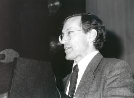 Fernando Marías. Conferencia sobre Los años centrales. El Buen Retiro y la Torre de la Parada dentro del ciclo Velázquez en su centenario , 1999