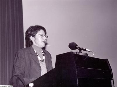 Estrella de Diego. Conferencia sobre Irse: el viaje americano como exilio interior dentro del ciclo Georgia O'Keeffe y su tiempo