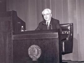 Francisco García Olmedo. Conferencia sobre Plantas y humanos en el Edén dentro del ciclo Las plantas bajo el dominio del hombre , 2002