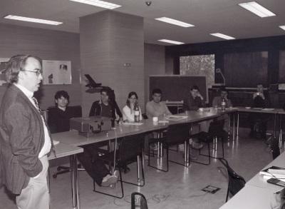 Larry Bartells. Conferencia sobre Valledentro del ciclo Inclán: la narrativa última dentro del ciclo La obra literaria de Valledentro del ciclo Inclán