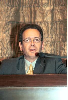 José Luis Pardo. Conferencia sobre ¿Por qué filosofía y no más bien nada? - IV SEMINARIO DE FILOSOFÍA Pensamiento crítico y progreso hacia sí mismo , 2003
