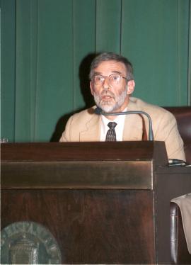 Geoffrey Parker. Conferencia sobre La crisis de la Monarquía española 1640dentro del ciclo 68 dentro del ciclo La crisis mundial del siglo XVII , 2004