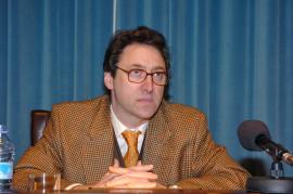Pedro González Casado. Conferencia sobre La obra de Manuel de Falla comentada por los compositores coetáneos dentro del ciclo El esplendor de la música española (1900-1950) , 2004