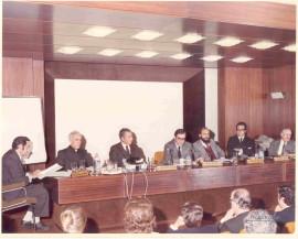 Alfonso Álvarez Bolado, José Manuel Rodríguez Delgado, Juan March Delgado, Francisco González Sastre, Luis González Seara y José Luis Pinillos Díaz. Encuentro con el Profesor Rodríguez Delgado, 1973