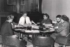 Cesar Milstein, Rafael Santandreu, Francisco García Olmedo, Juan Antonio Subirana, Enrique Cerdá y Andrés González Álvarez. Reunión Jurado de Biología, 1985