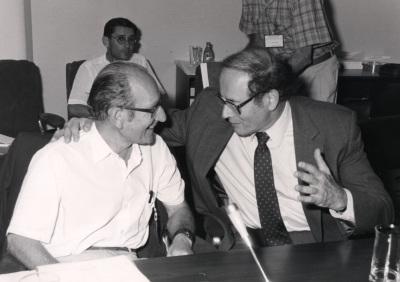 Cesar Milstein y Gerald M. Edelman. Workshop The Reference points in evolution