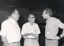 Antonio García Bellido, Cesar Milstein y Alejandro Kacelnik. Workshop The reference points in evolution, 1990