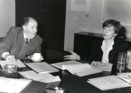 Suzanne Berger y Juan José Linz. Reunión consejo Científico, 1992