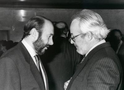 Alfredo Pérez Rubalcaba y Antonio Gallego Gallego en la presentación de nuevas actividades de Ciencias Sociales y Biología