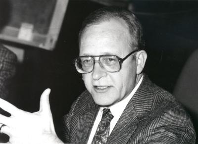 Paul Drake. Profesor de seminario. Curso 1993-94