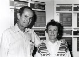 Joan Modolell y Pat Simpson. Workshop Cellular interactions in early development of the nervous system of drosophila, 1994