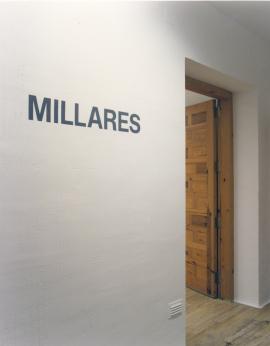 Vista parcial de la exposición Millares Pinturas y dibujos sobre papel 1963-1971, 1996