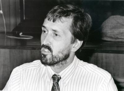 Jonas Pontusson. Profesor de seminario. Curso 1994-95