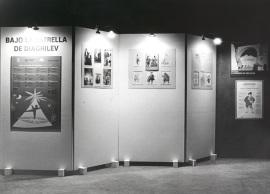 Vista parcial de la exposición Bajo la Estrella de Diaghilev, 1997