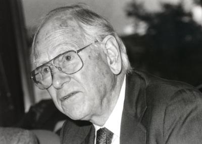 Robert Dahl. Profesor de seminario. Curso 1995-96