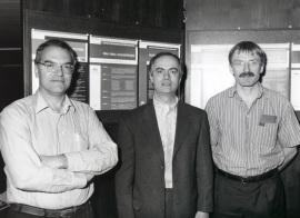 Esteban Domingo, Cecilio López-Galíndez y Simón Wain Hobson. Workshop R.N.A. Viral Quasispecies, 1996