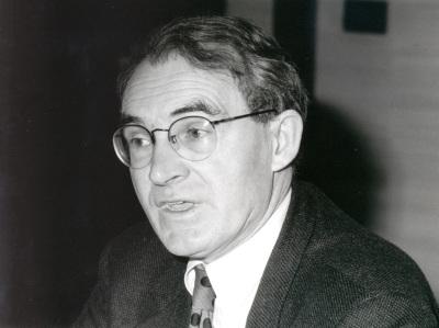Ives Meny. Profesor de seminario. Curso 1996-97