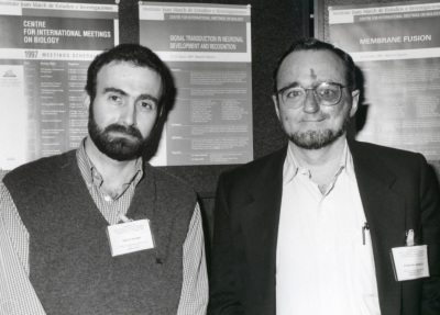 Diego Pulido y Mariano Barbacid. Workshop Signal Transduction in Neuronal Development and Recognition