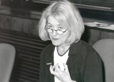 Nancy Bermeo. Profesora de seminario. Curso 1997-98