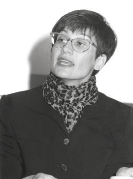 Yasemin Soysal. Entrega diplomas de Maestros y Doctores del CEACS, 1998